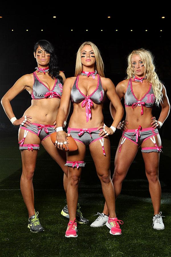 mujeres_de_futbol_americano_en_lenceria_477672481_600x900